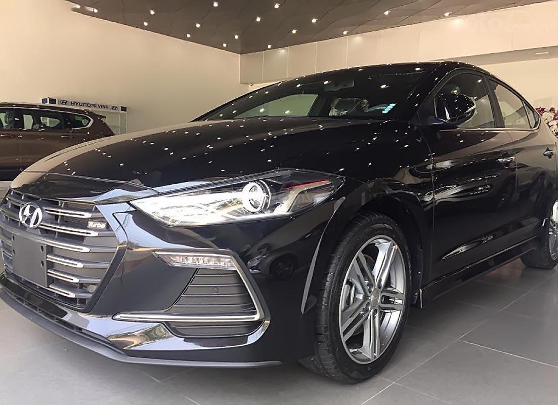 Hyundai Vinh cần bán xe Hyundai Elantra Sport 1.6 AT sản xuất 2019, màu đen-2