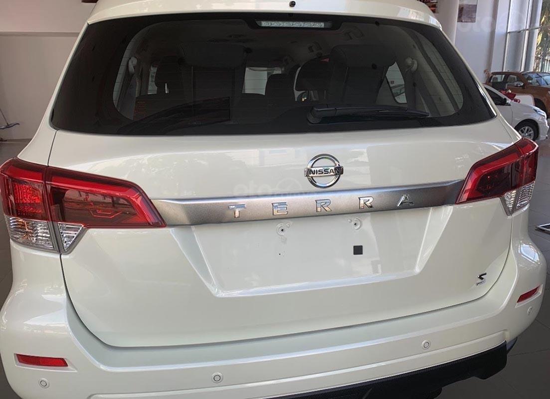 Bán ô tô Nissan Terra S 2.5 MT 2WD sản xuất 2018, màu trắng, nhập khẩu-3