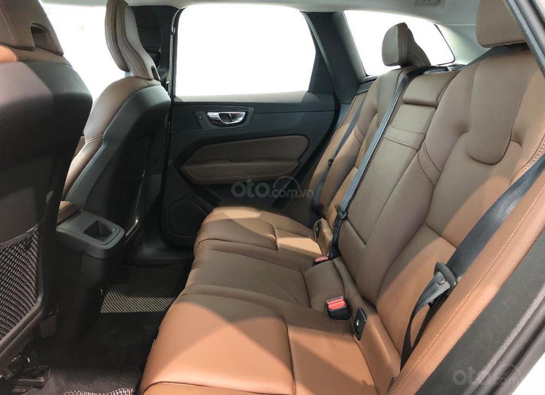 Cần bán Volvo XC60 sản xuất 2019, màu trắng, nhập khẩu-2