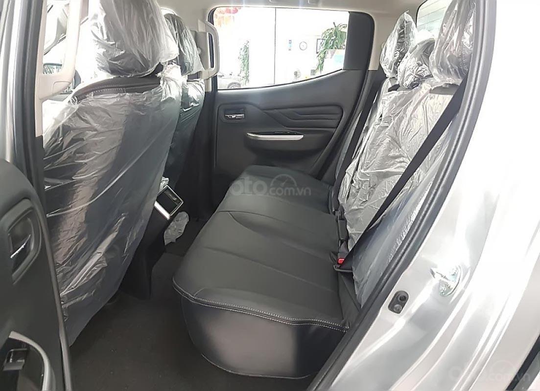Cần bán Mitsubishi Triton 4X2 AT MIVEC sản xuất 2019, màu bạc, xe nhập giá cạnh tranh-1