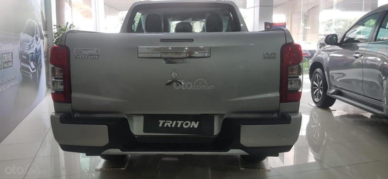 Cần bán Mitsubishi Triton 4X2 AT MIVEC sản xuất 2019, màu bạc, xe nhập giá cạnh tranh-4