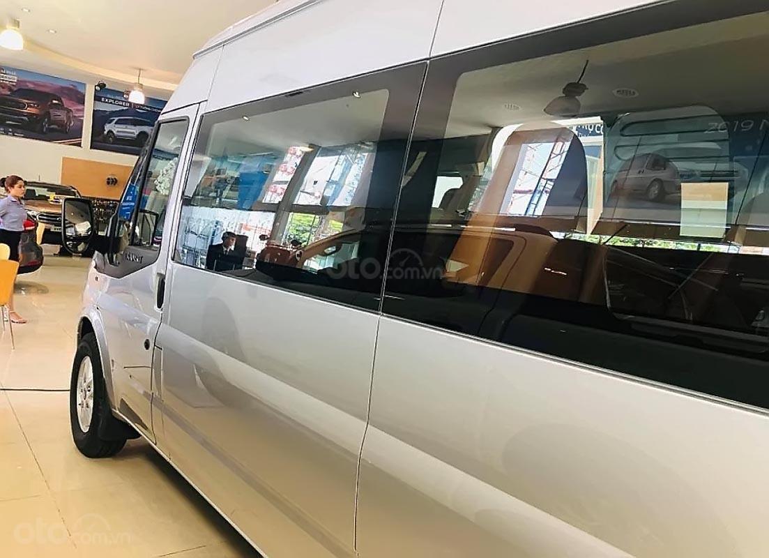 Bán ô tô Ford Transit SVP năm 2019, màu bạc-2