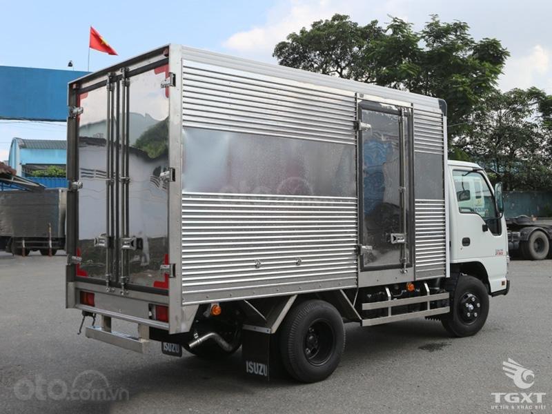 Xe tải Isuzu 2T2 thùng kín dài 3m5, giá tốt nhất thị trường-2