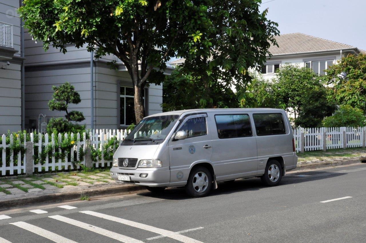Cần bán Mercedes MB 100 sản xuất 2002, màu bạc ít sử dụng giá cạnh tranh-9