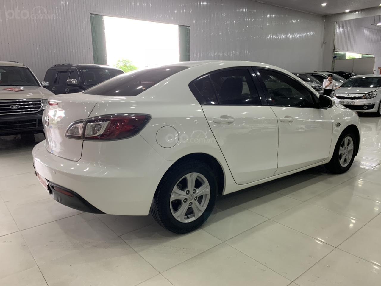 Bán xe Mazda 3 sản xuất năm 2010, màu trắng, xe nhập-2
