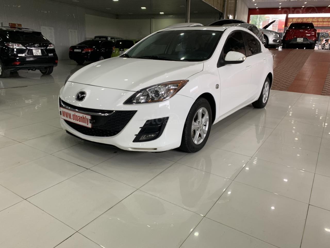 Bán xe Mazda 3 sản xuất năm 2010, màu trắng, xe nhập-1