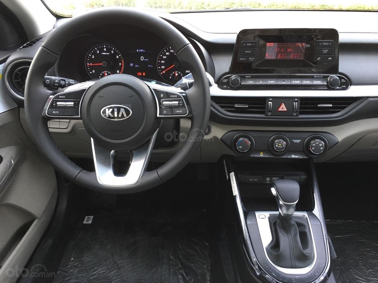 Kia Cerato sx 2019, số tự động 589 triệu. Giá tốt nhất TPHCM - tặng bảo hiểm-9