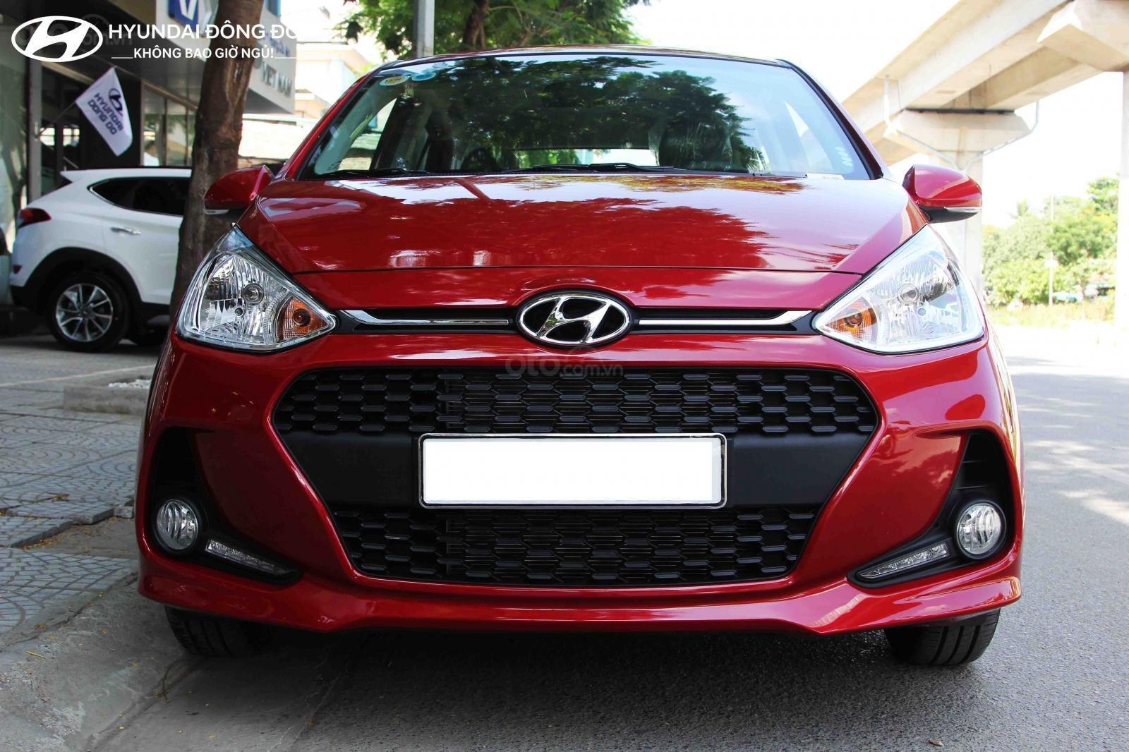 Cần bán Hyundai Grand i10 AT năm 2019, màu đỏ, trả góp 80%-0
