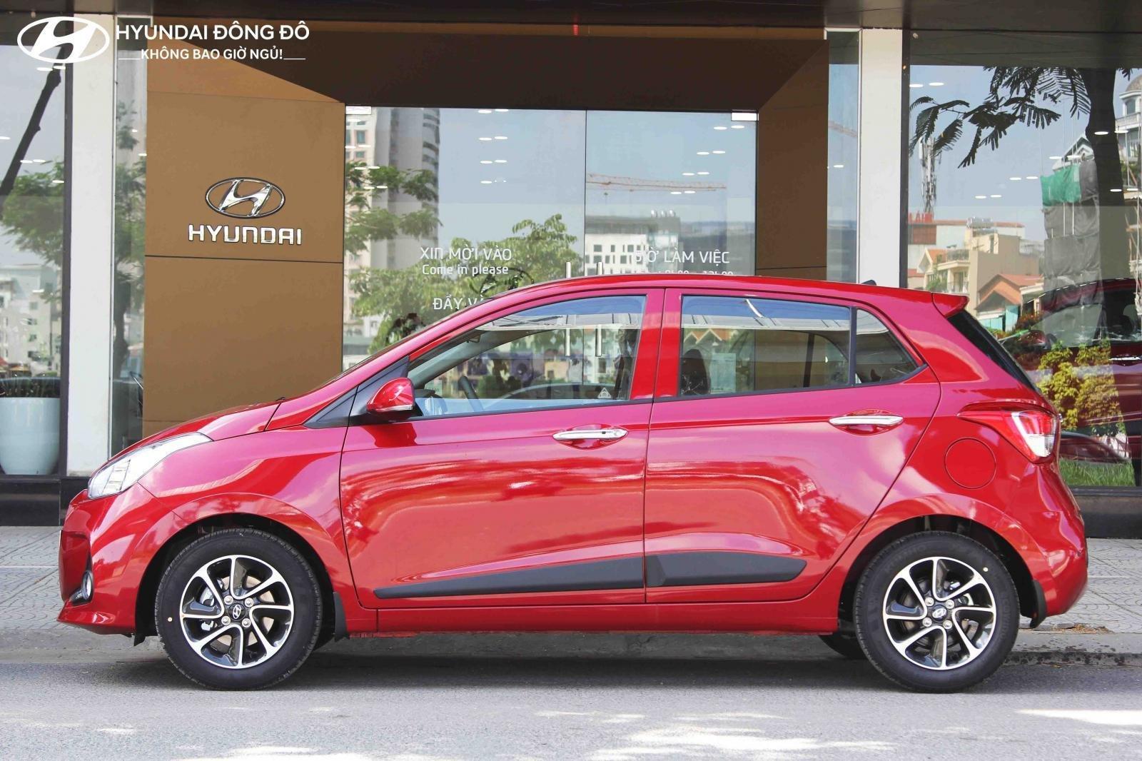 Cần bán Hyundai Grand i10 AT năm 2019, màu đỏ, trả góp 80%-1