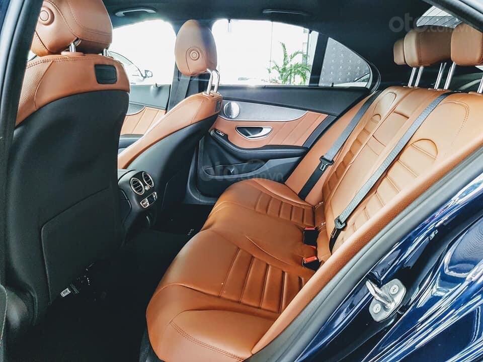 [Nha Trang] Bán xe Mercedes C300 AMG đủ màu, giao ngay. LH 0987313837-3