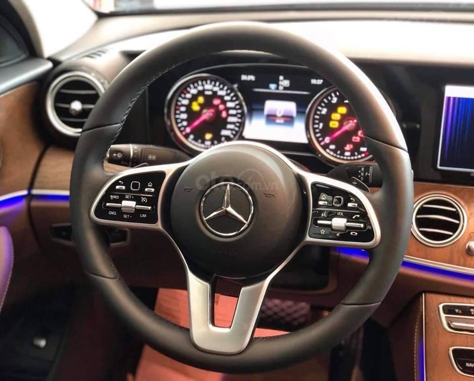 [Nha Trang] Bán xe Mercedes E200, sản xuất 2019, LH 0987313837-3