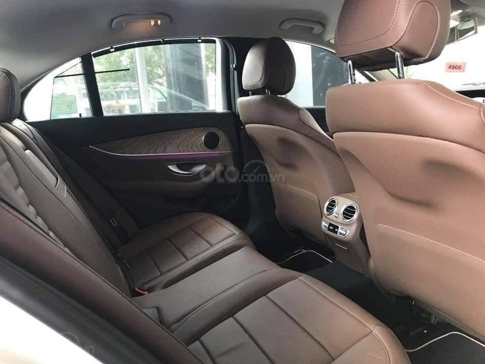 [Nha Trang] Bán xe Mercedes E200, sản xuất 2019, LH 0987313837-5