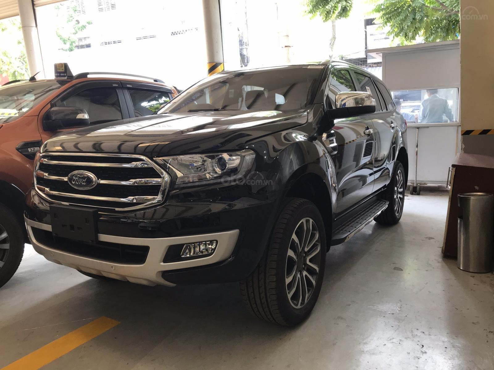 Giá xe Ford Everest 2019 tại đại lý giảm sâu - Ảnh 1.