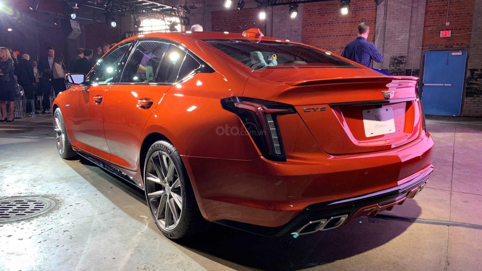 Cadillac CT5-V 2020 quyến rũ