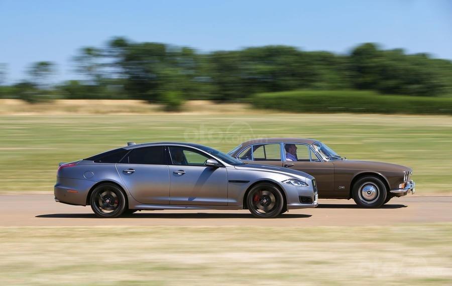 Jaguar XJ sedan lộ tin sắp ngừng cuộc chơi