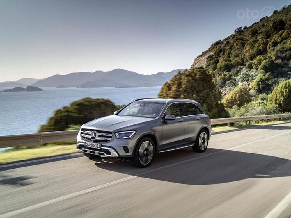 Mercedes-Benz GLC 2020 lên kệ với giá 1,1 tỷ đồng tại Anh