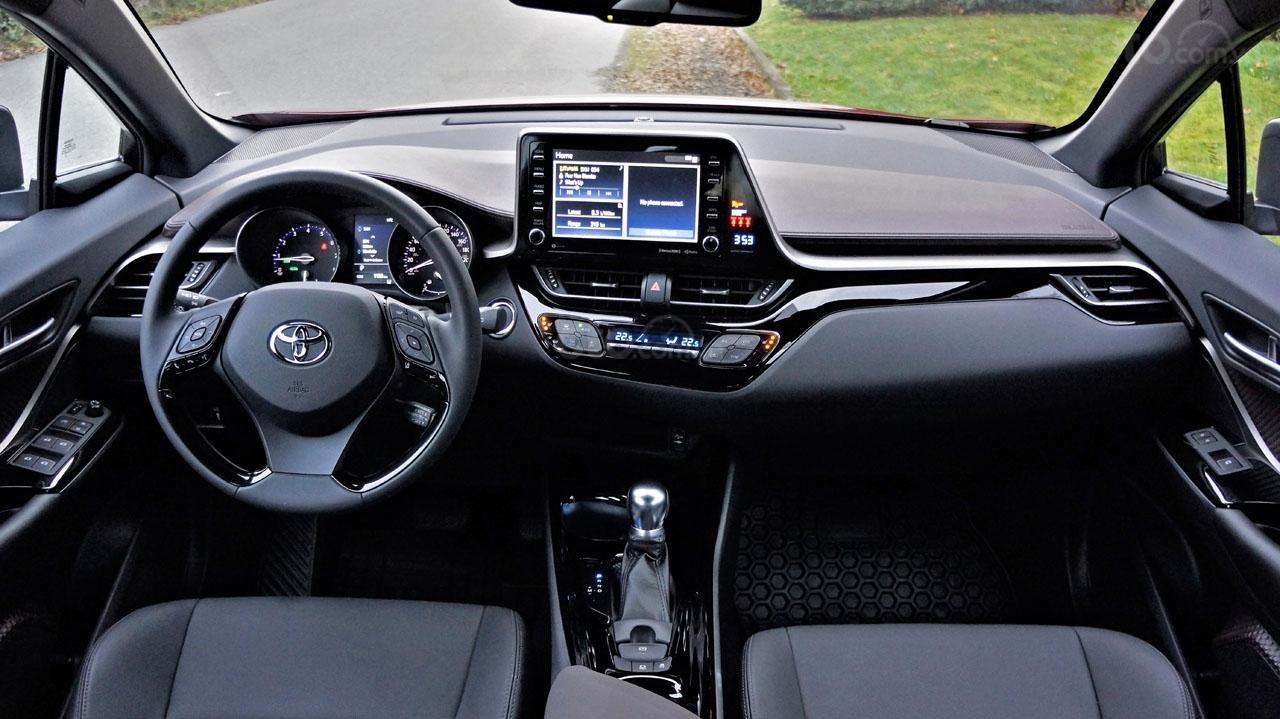 Ưu nhược điểm xe Toyota C-HR 2019: Góc nhìn toàn cảnh