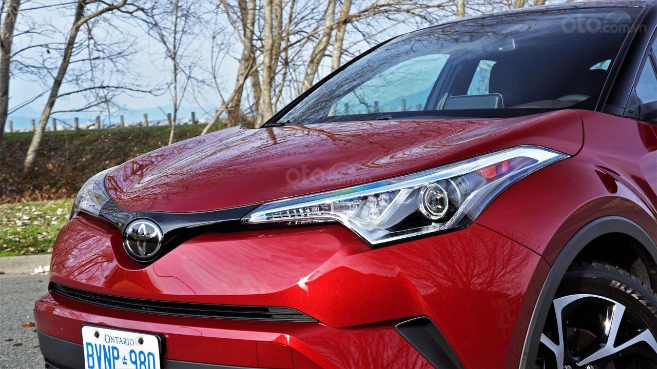 Ưu nhược điểm xe Toyota C-HR 2019: Sở hữu những thay đổi giá trị