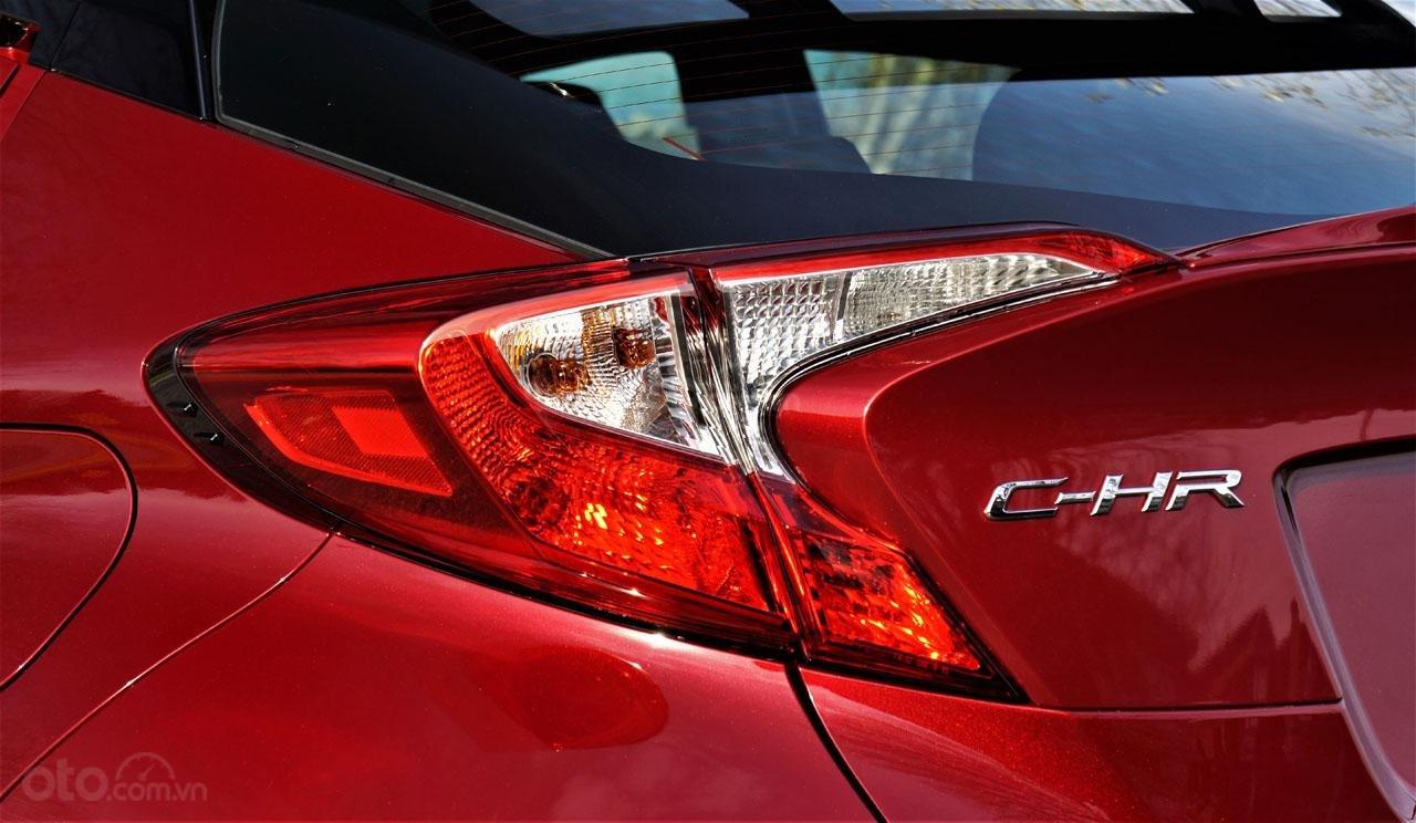 Ưu nhược điểm xe Toyota C-HR 2019: Có các biến thể đặc biệt