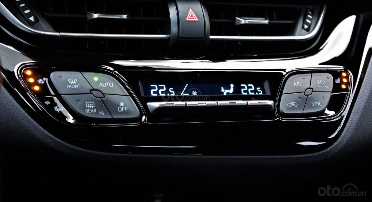 Ưu nhược điểm xe Toyota C-HR 2019: Mát lạnh tiện dùng