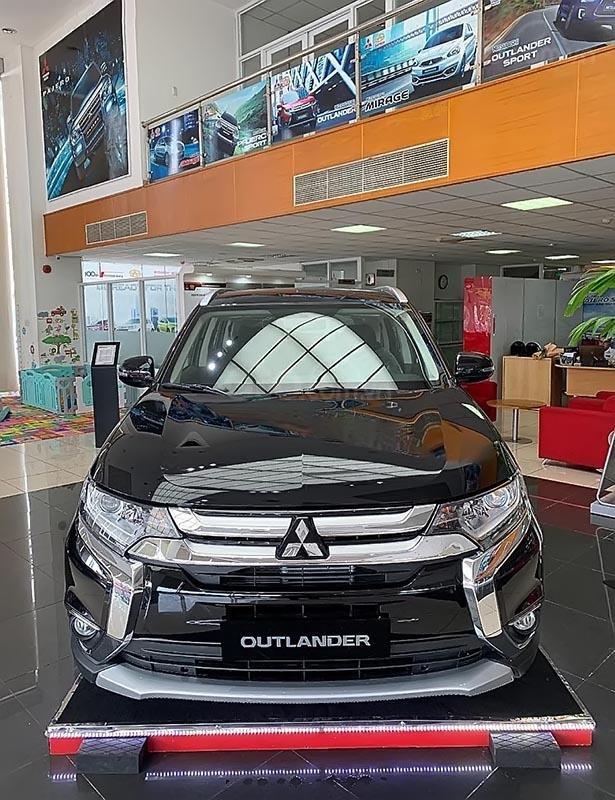 Bán xe Mitsubishi Outlander 2.0 CVT năm 2019, màu xám, giá tốt-0