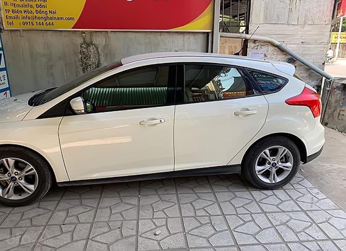 Bán ô tô Ford Focus đời 2013, màu trắng số tự động, giá chỉ 420 triệu-0