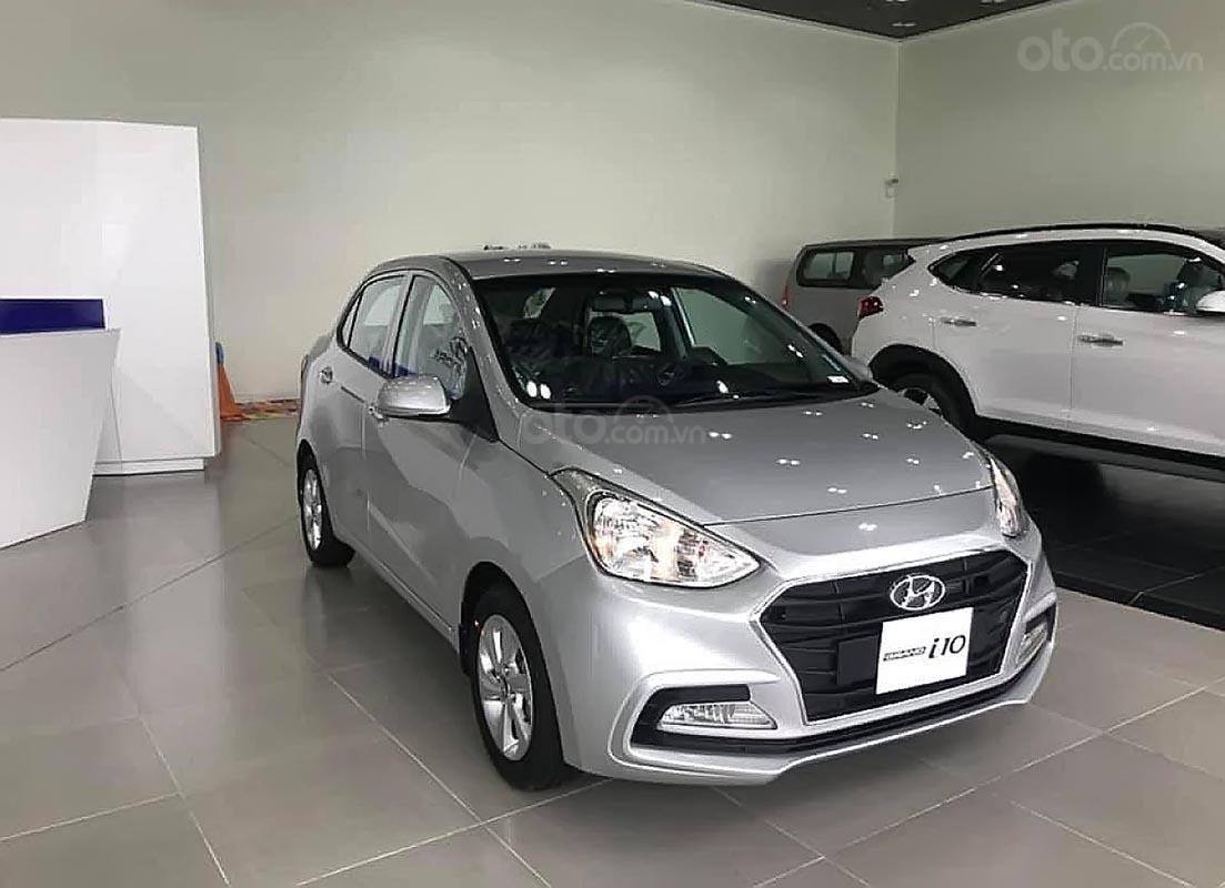 Cần bán Hyundai Grand i10 năm 2019, màu trắng-0