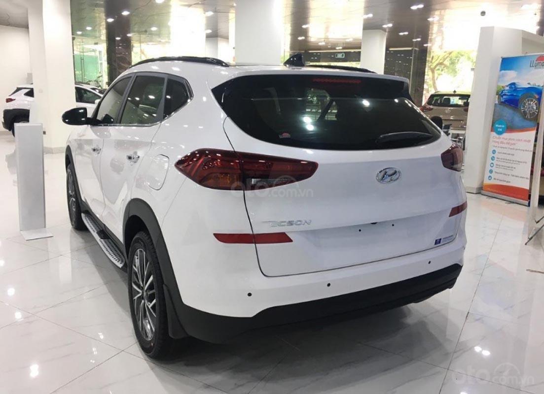 Bán xe Hyundai Tucson Facelift 2019, màu trắng-1