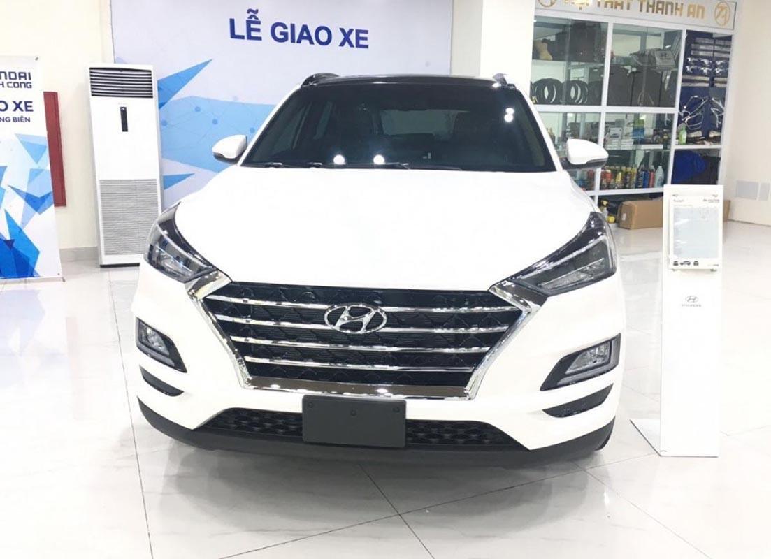 Bán xe Hyundai Tucson Facelift 2019, màu trắng-0
