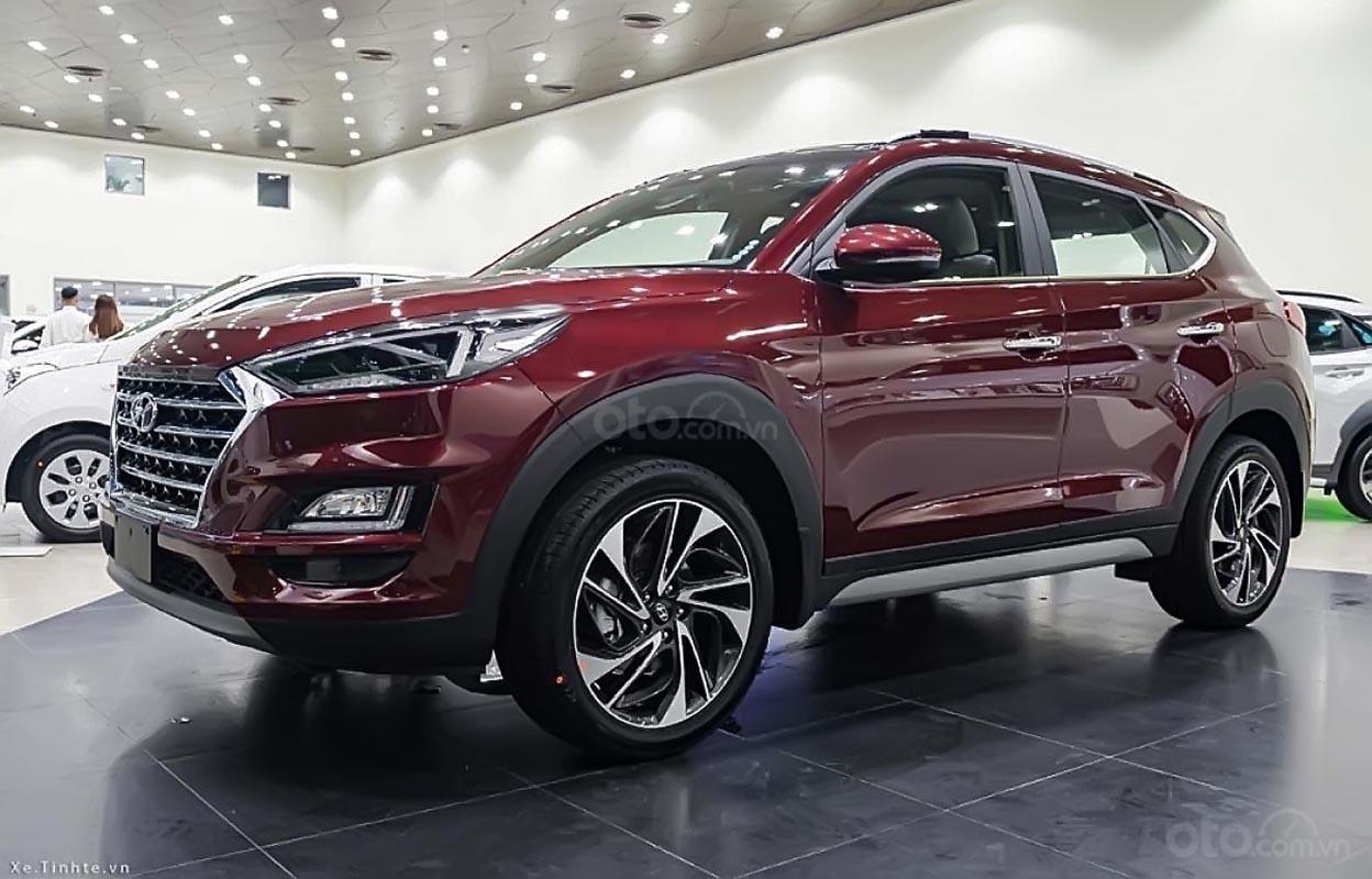 Cần bán Hyundai Tucson đời 2019, màu đỏ, giá 799tr-1