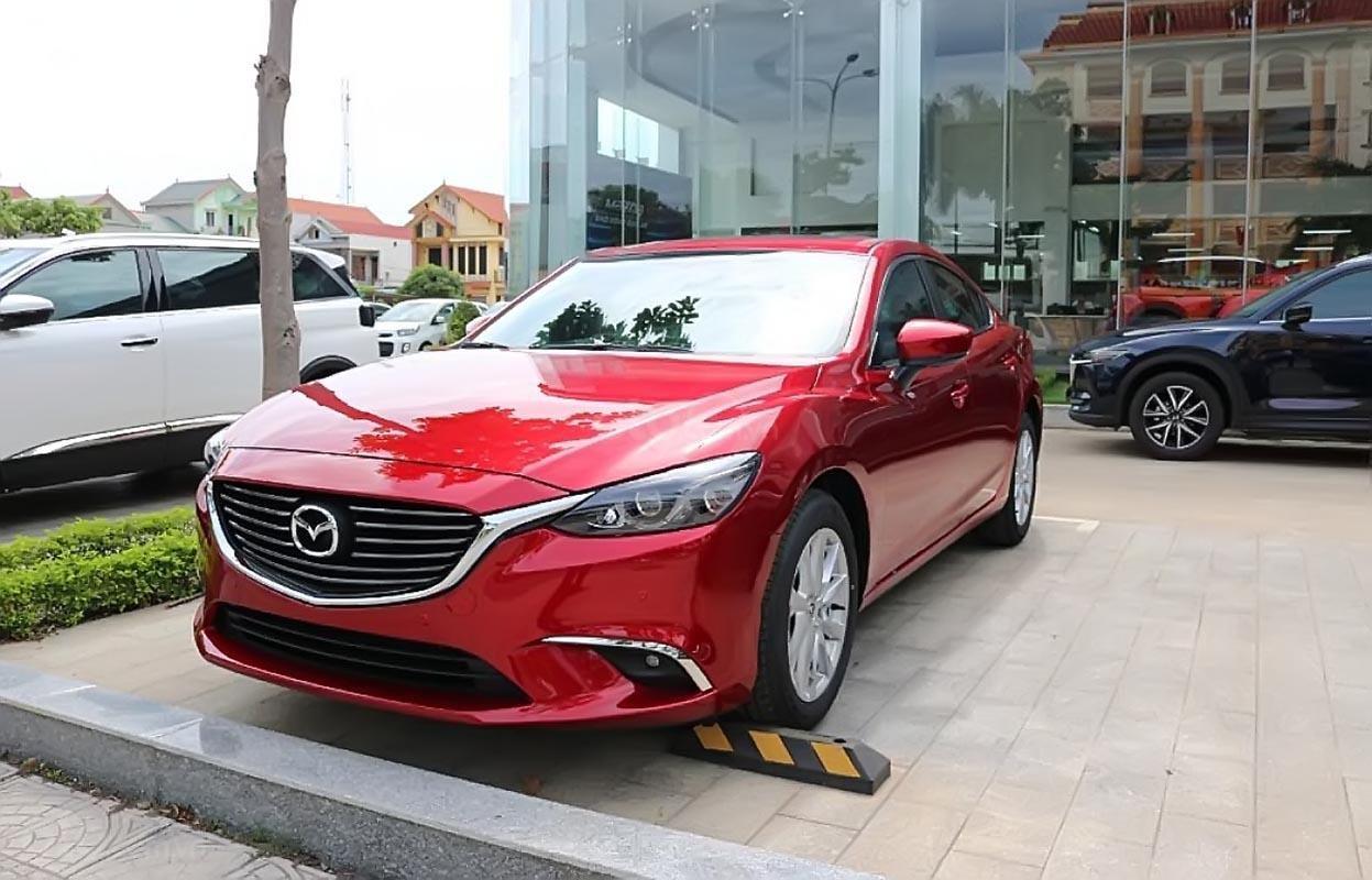 Bán xe Mazda 6 2.0L đời 2019, màu đỏ-0