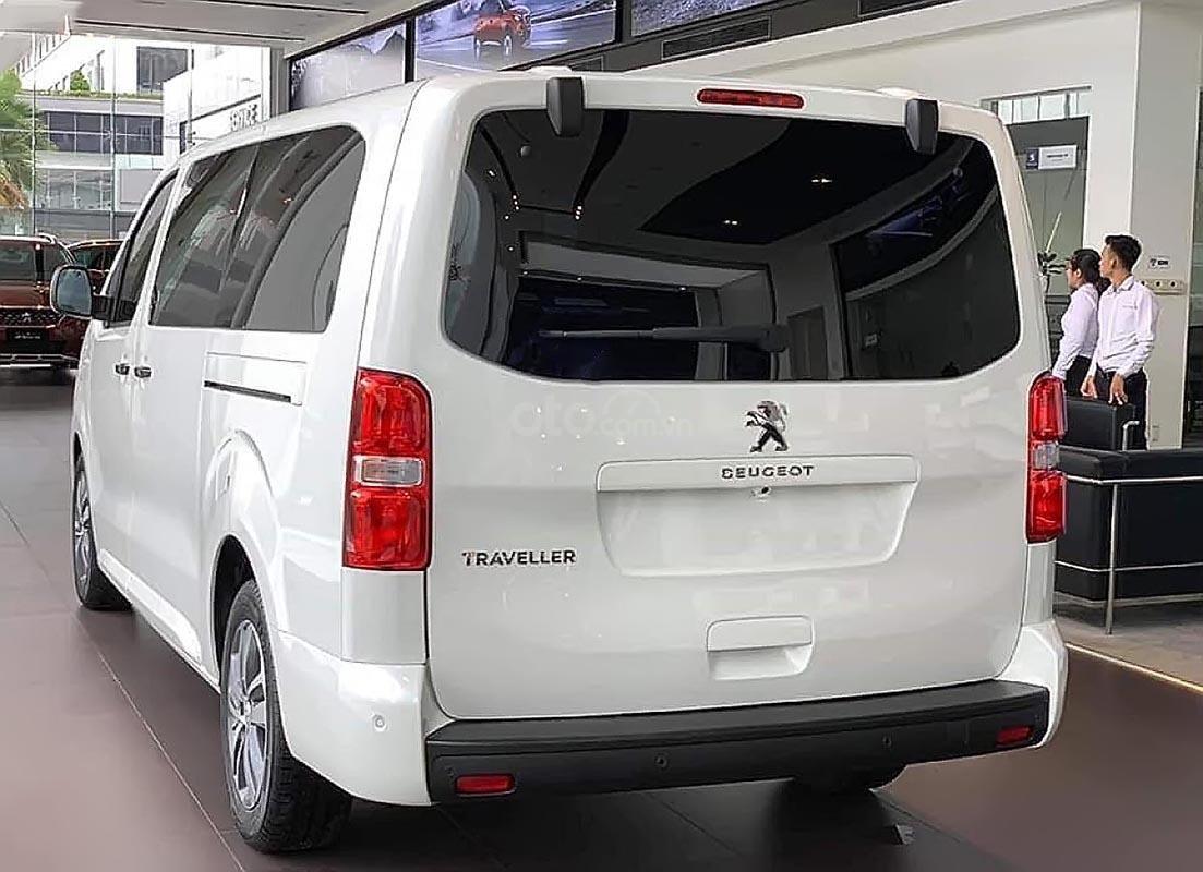 Bán ô tô Peugeot Traveller Luxury đời 2019, màu trắng (5)