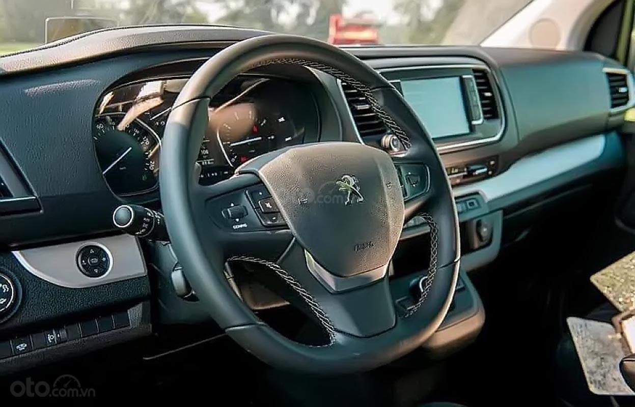 Bán ô tô Peugeot Traveller Luxury đời 2019, màu trắng (2)