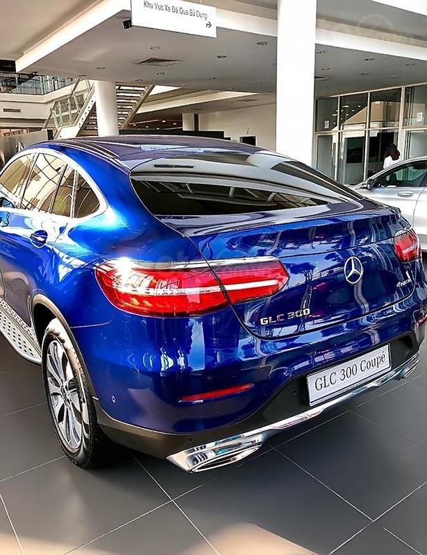 Cần bán Mercedes GLC 300 đời 2019, màu xanh lam, nhập khẩu nguyên chiếc-4