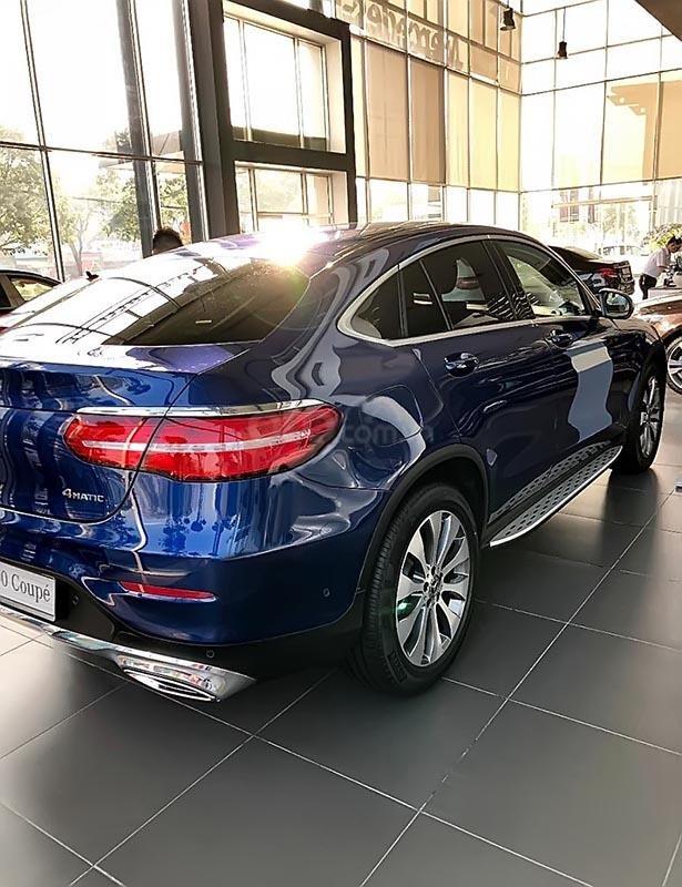 Cần bán Mercedes GLC 300 đời 2019, màu xanh lam, nhập khẩu nguyên chiếc-3