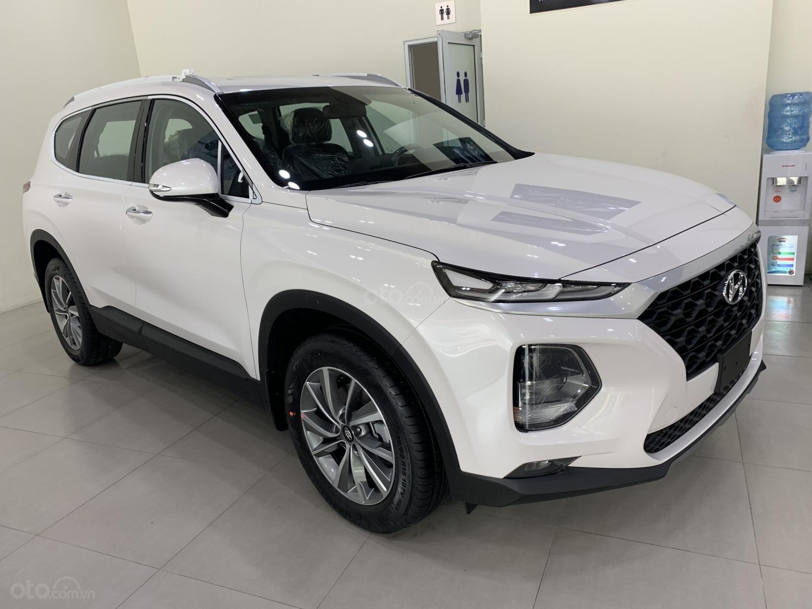 Bán xe Hyundai Santa Fe đời 2019, hỗ trợ mua trả góp lên tới 85% giá trị xe, có xe giao ngay. LH ngay 086.24.42.688 (1)
