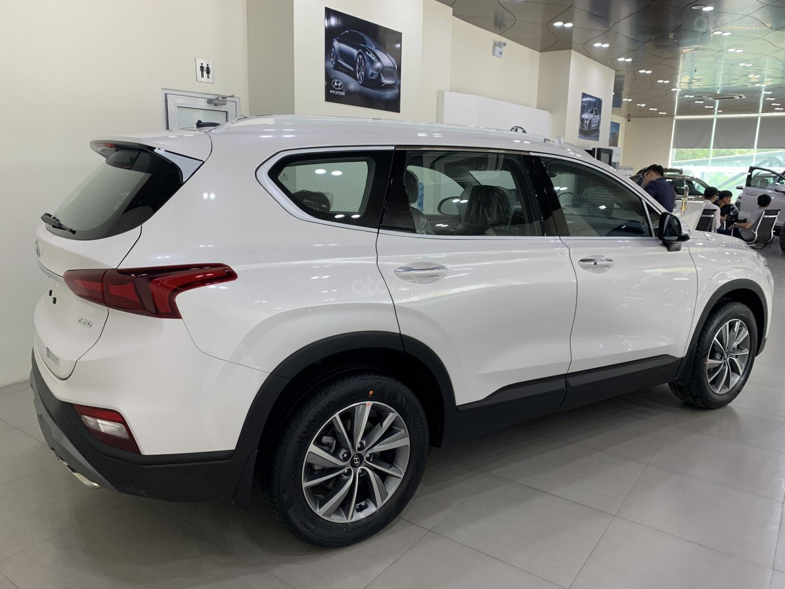 Bán xe Hyundai Santa Fe đời 2019, hỗ trợ mua trả góp lên tới 85% giá trị xe, có xe giao ngay. LH ngay 0971.58.55.33-2