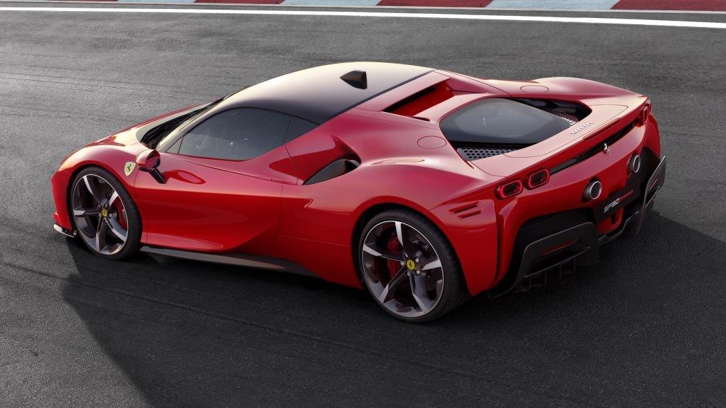 Ferrari trình làng tân binh hybrid 986 mã lực 3