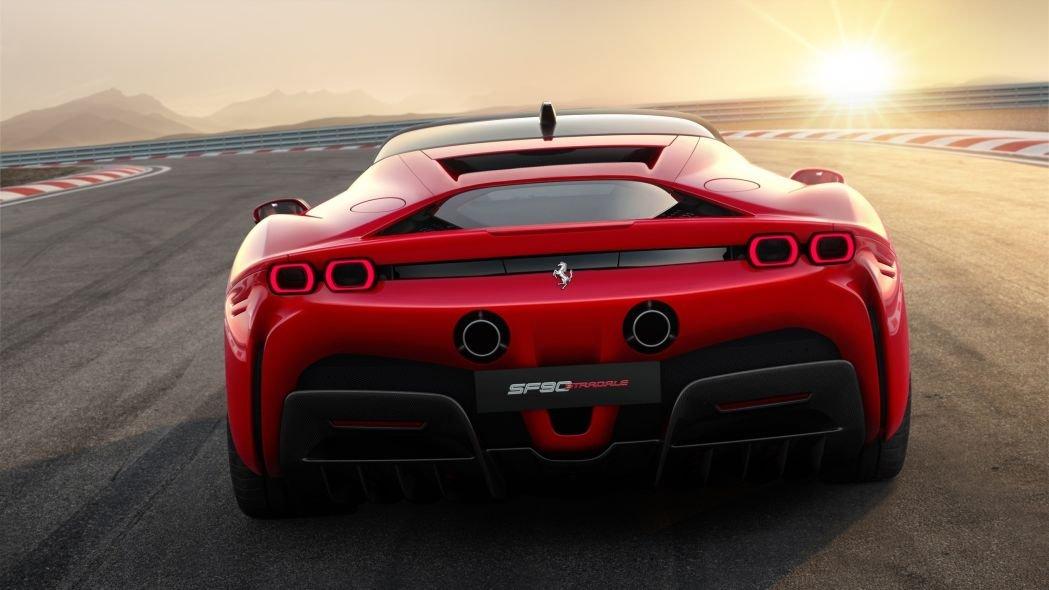 Ferrari trình làng tân binh hybrid 986 mã lực 9