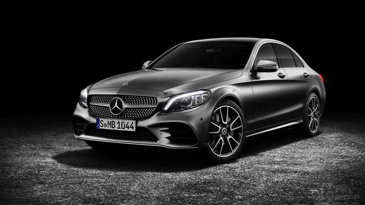 Top 10 xe mới dùng bán lại sau 1 năm sử dụng: Mercedes-Benz C-Class bỗng dưng đầu top