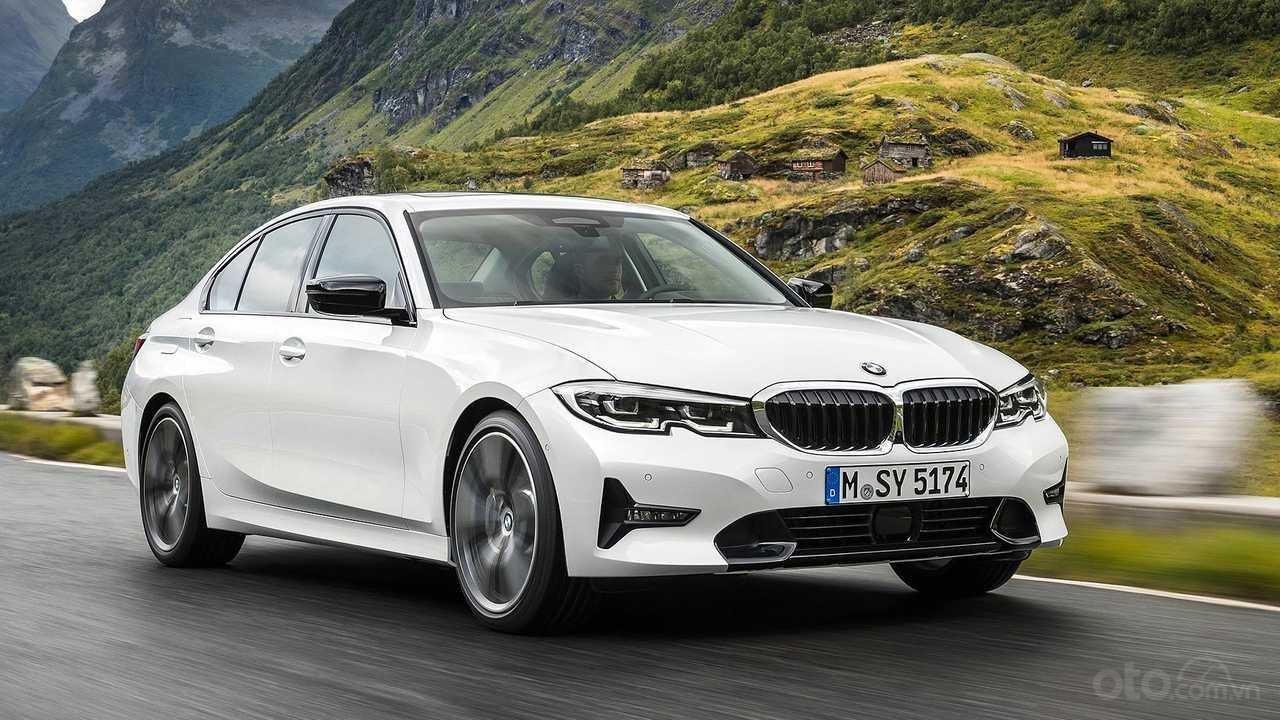 Top 10 xe mới dùng bán lại sau 1 năm sử dụng: BMW 3-Series tụt giá nhanh sau thời gian