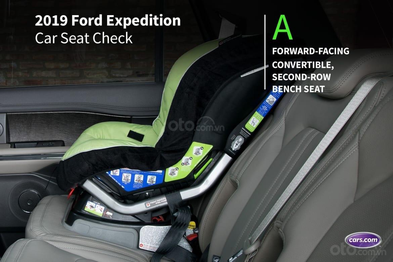 Ưu nhược điểm của Ford Expedition 2019: Điểm A cho sự an toàn của bé