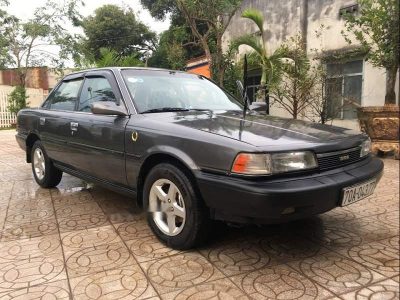 Cần bán gấp Toyota Camry đời 1988, màu xám, nhập khẩu-0