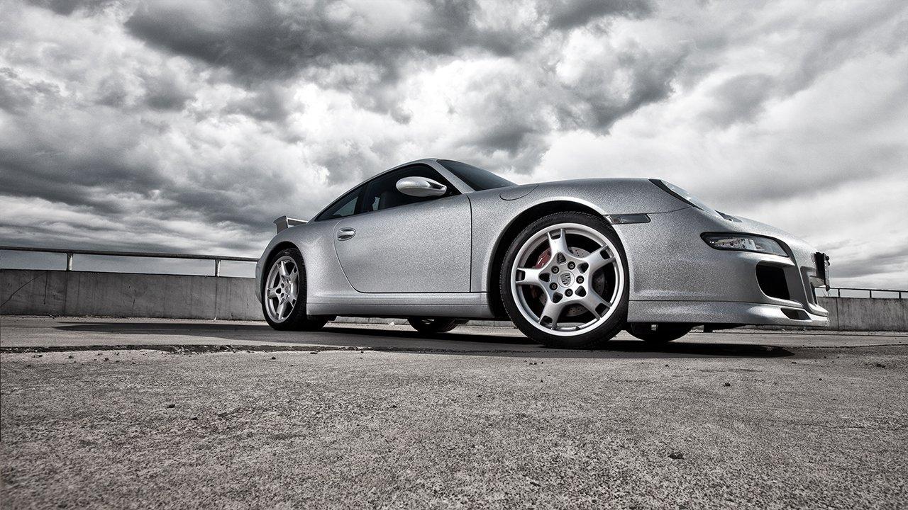 Người đẹp và siêu xe thể thao Porsche 911 Carrera 4S A7