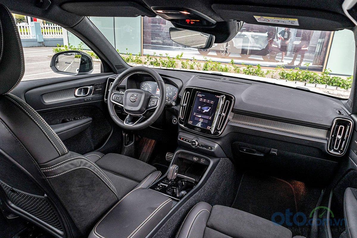 Nội thất của Volvo XC40 2019 hướng tới sự trẻ trung và hiện đại.