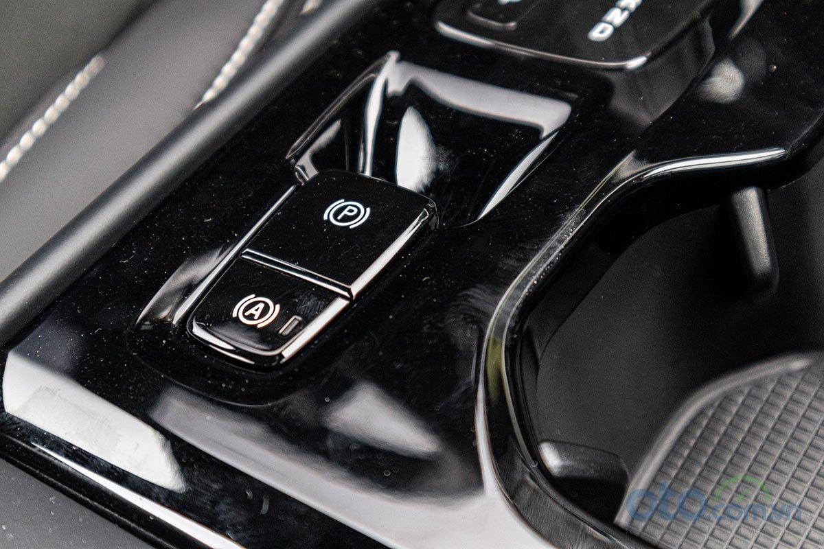 Hệ thống phanh tay điện tử và tự động giữ phanh trên Volvo XC40 2019.