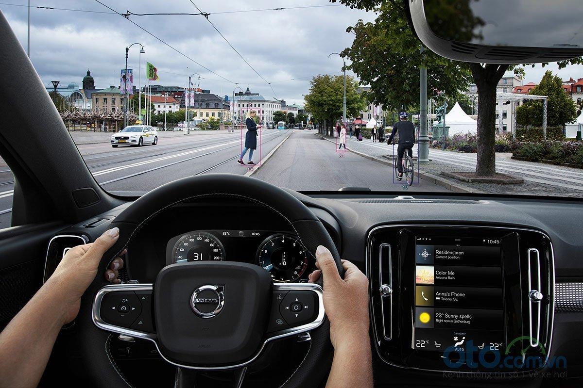 Các hệ thống an toàn trên Volvo XC40 2019.