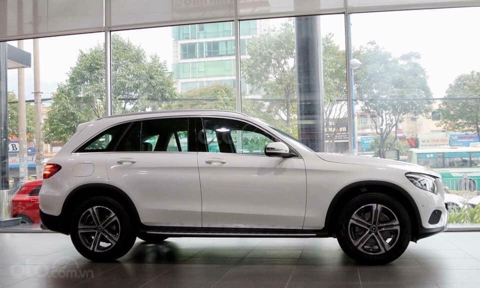 [Nha Trang] Mercedes GLC200 ưu đãi thuế trước bạ 5% giao ngay, LH 0987313837 (2)