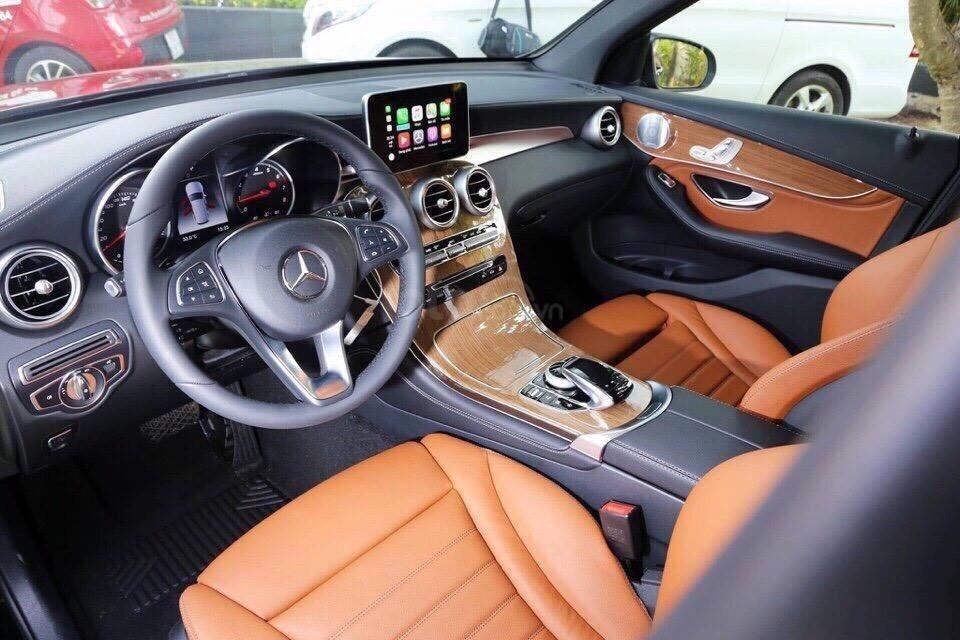 [Đón xuân 2020] xe Mercedes GLC 250 2019 mới, màu đỏ, vay trả góp 80% giá trị xe, LS 0.77%/tháng cố định 36 tháng (3)