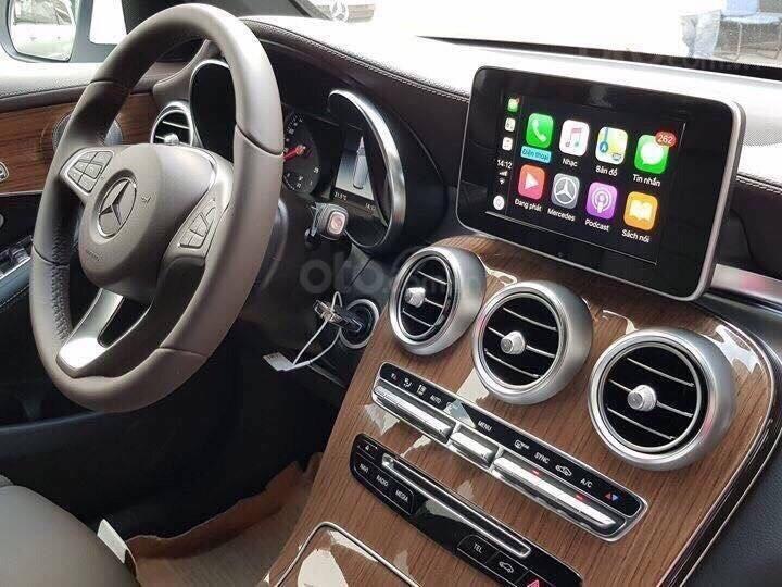 [Đón xuân 2020] xe Mercedes GLC 250 2019 mới, màu đỏ, vay trả góp 80% giá trị xe, LS 0.77%/tháng cố định 36 tháng (4)